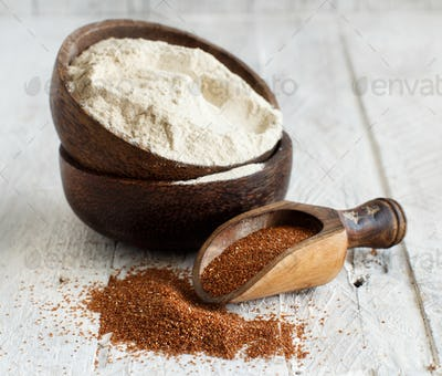 Teff flour in a bowl and teff grain with a spoon