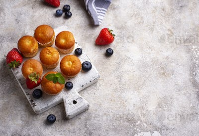Summer mini cupcakes with berry