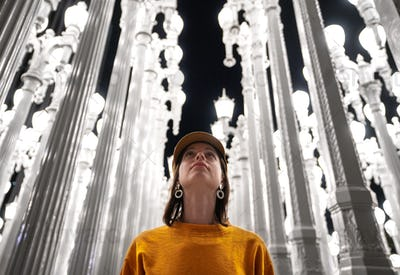 Young woman at the lanterns in Los Angeles