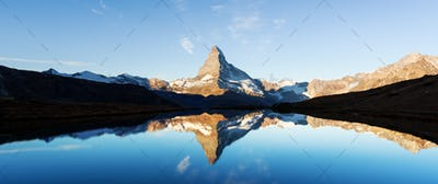 Matterhorn peak on Stellisee lake