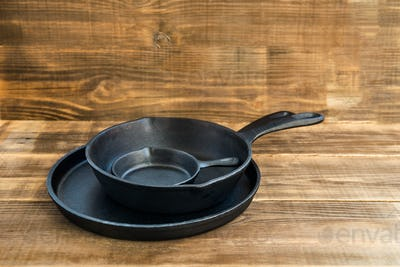 New Cast-iron Frying Pans