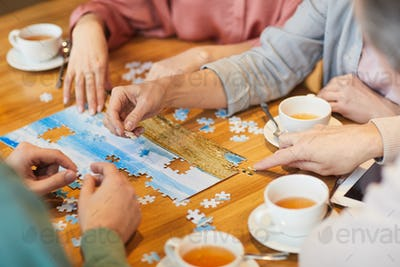 Family collecting puzzle