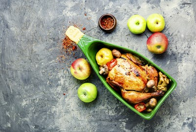 Baked chicken with apples.