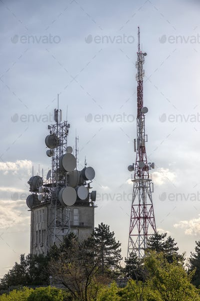 ommunication tower