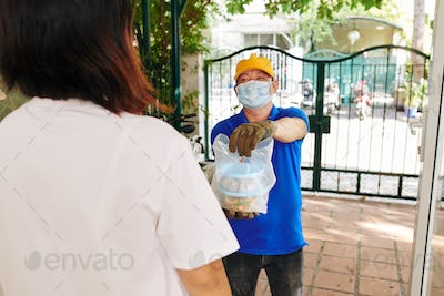 Food delivery during pandemic