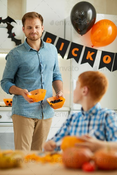 Father and son arranging party