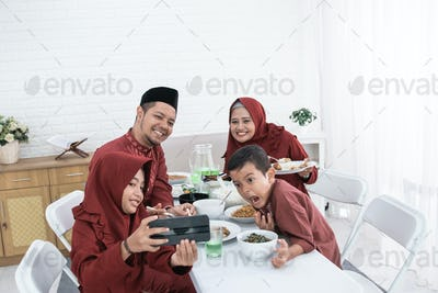 Selfie with family when breaking fast together