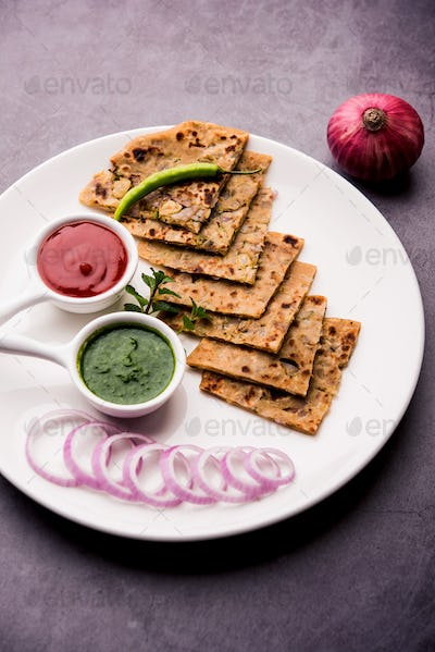 Onion stuffed flat bread