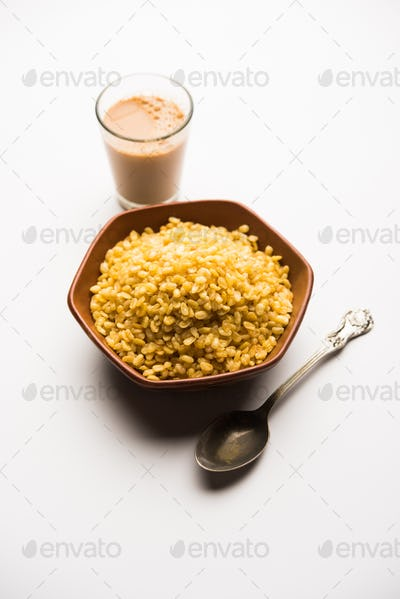 Fried and salty Moong Dal