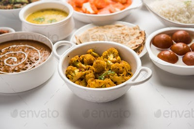 Assorted North Indian Hindu Vegetarian food