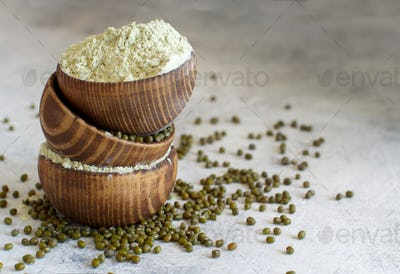 Mung beans flour and grain in bowls