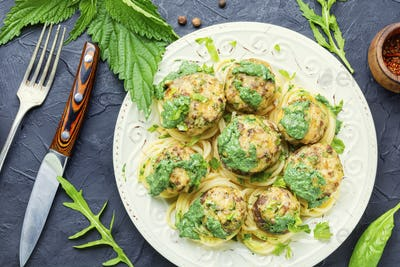 Mushrooms stuffed with minced meat.
