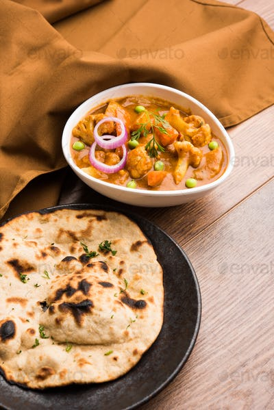 Aloo Gobi Mutter Curry