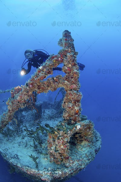 Diving the shipwreck Spiegel Grove on the occasion of the 10th anniversary of its sinking as an