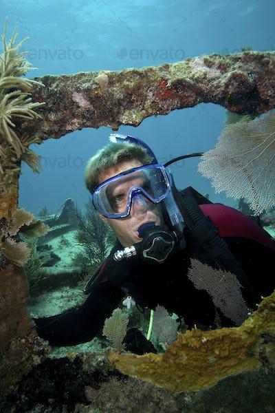 "Scuba diving on the shipwreck ""City of Washington"", Florida Keys National Marine Sanctuary"