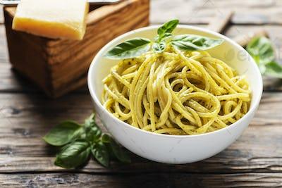 ligurian spaghetti with basil