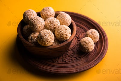 Amaranth Ladoo / Rajgira Laddu / Cholai Laddoo