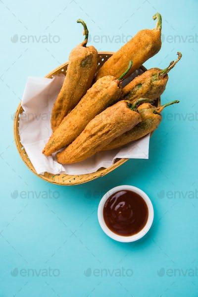 Mirch Pakoda / Chilli Fritter / Mirchi Pakora