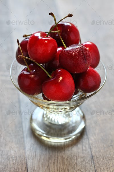 bing cherry fruits, american sweet cherry