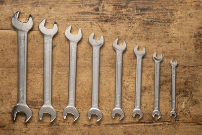 Hole set of a wrench keys