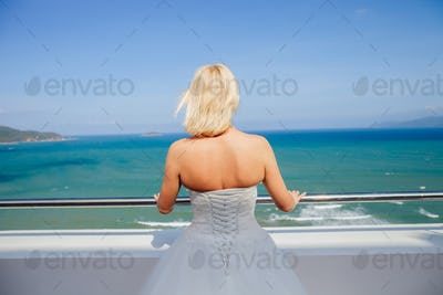 bride travel beach resort