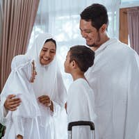 muslim umrah and hajj with family