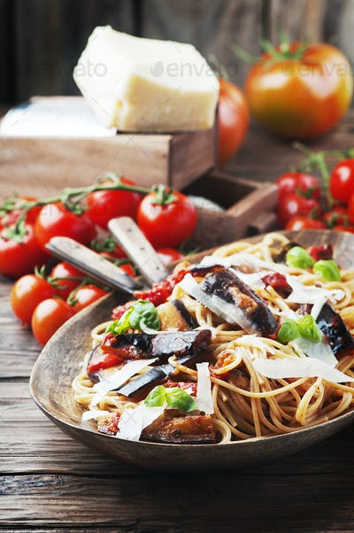 Italian traditional vegetarian pasta with eggplant