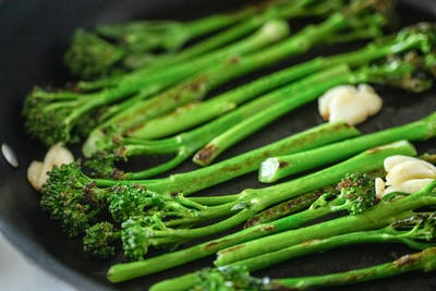 Cooking Broccolini on a Fried Pan.