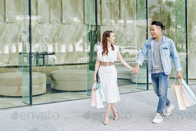 Shopping boyfriend and girlfriend