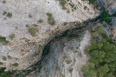Top view of a path that passes between the rocks