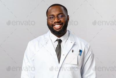 Healthcare, medicine and hospital treatment concept. Waist-up portrait of friendly doctor explain