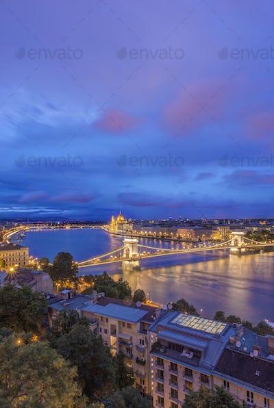54745,View of Chain Bridge illuminated at night, Budapest, Hungary