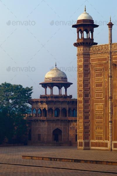 45724,Temple at the Taj Mahal Complex