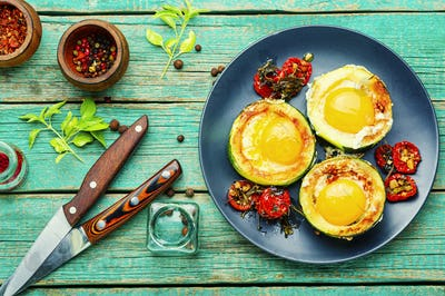 Fried eggs in zucchini