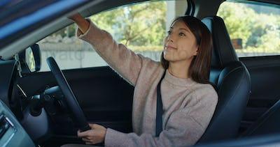 Woman prepare drive a car