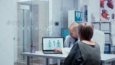 Explaining human skeleton to elderly patient
