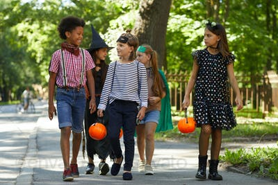 Children is going to Halloween