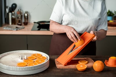 Dehydrating orange at home