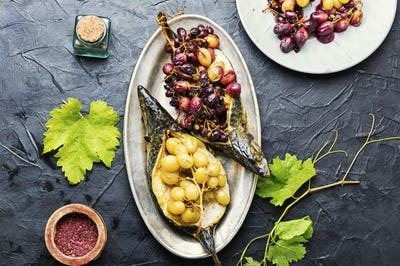 Baked mackerel with grapes
