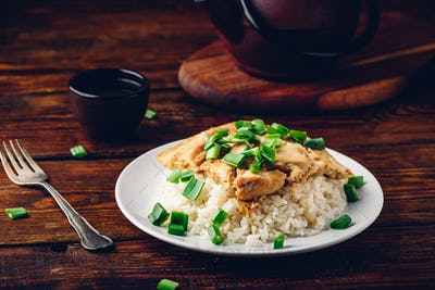 Rice with scrambled eggs, chicken and green onion