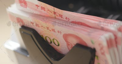 Counting Chinese money on machine