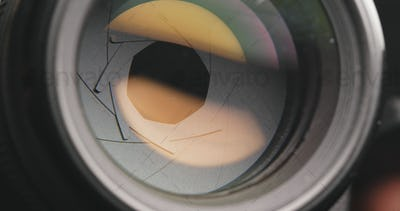 Camera lens zoom in and out