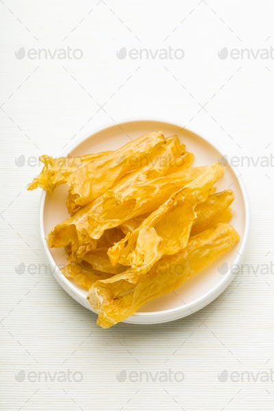 Chinese dried fish maw in the bowl