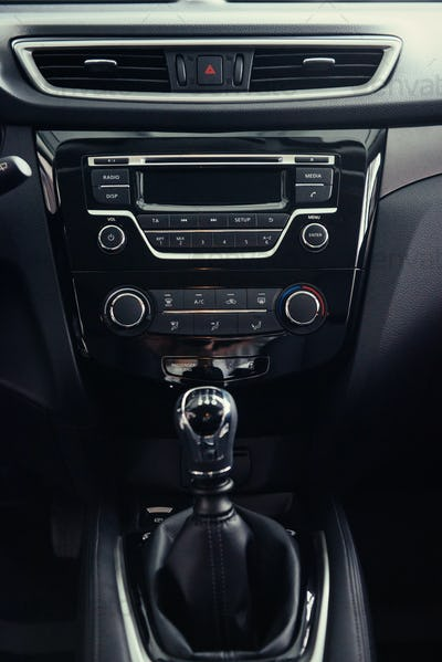 manual shift of modern car
