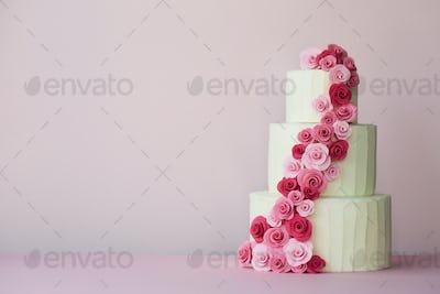 Tiered wedding cake with sugarpaste roses