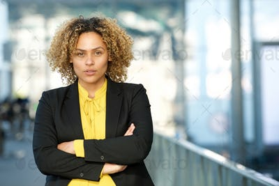Close up businesswoman with arms crossed