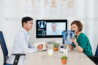 Video calling experienced oncologist