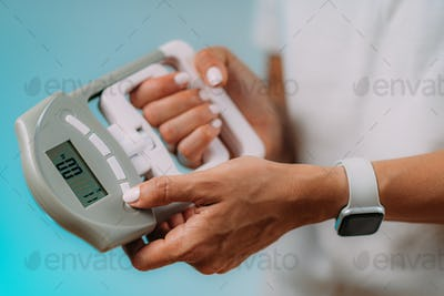 Using Hand Dynamometer for Grip Strength Test