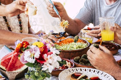 Family at lunch scene