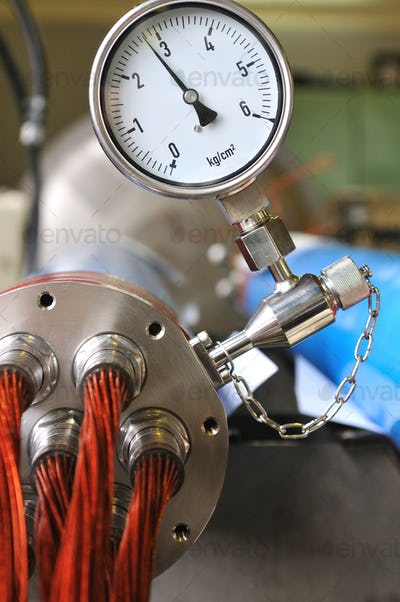 Pressure measurement in metall device with a conductors of red copper wire in the kapton insulation